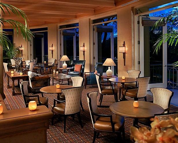 Four Seasons Hotel Austin > Lobby Lounge