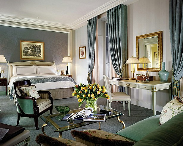 Hôtel Four Seasons des Bergues Genève > Four Seasons Junior Suite