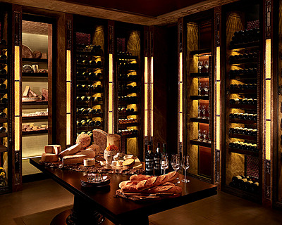 Four Seasons Hotel Hong Kong > Caprice Cellar > With superb views over Victoria Harbour and the Kowloon Peninsula from its location on the sixth floor, Caprice's stunning surroundings feature Chinese-inspired Czech crystal chandeliers.
