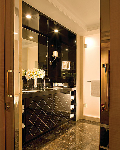 Four Seasons Hotel London at Park Lane > Park Suite bathroom