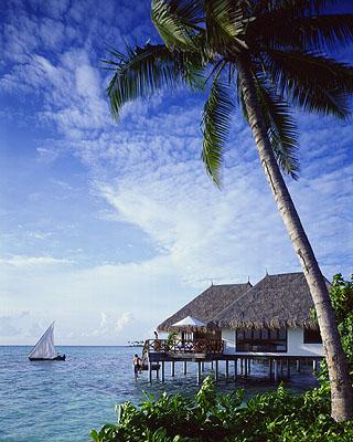 اروع بلدان العالم السياحية حيث يبلغ عدد الجزر فيها 1196