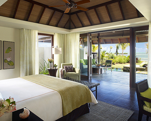 Resort Four Seasons Mauritius at Anahita > Ocean and Beach villa interior bedroom
