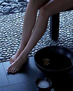 Resort Four Seasons Mauritius at Anahita > Spa detail > Perché au-dessus de l'océan Indien, le Spa at Four Seasons Resort Mauritius se cache dans la mangrove.