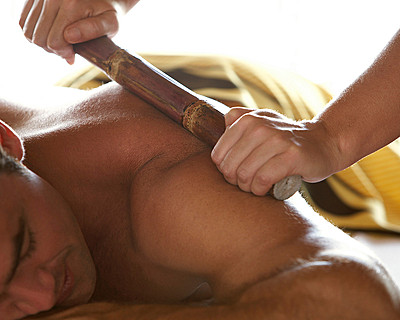 Resort Four Seasons Mauritius at Anahita > Sugarcane massage > Perché au-dessus de l'océan Indien, le Spa at Four Seasons Resort Mauritius se cache dans la mangrove.
