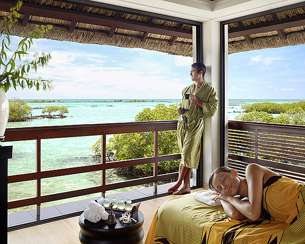 Resort Four Seasons Mauritius at Anahita > Spa treatment room