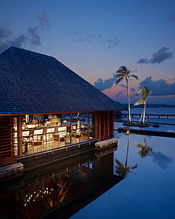 Resort Four Seasons Mauritius at Anahita > Beau Champ > Faites votre choix parmi les quatre restaurants du Four Seasons Resort Mauritius &#8211