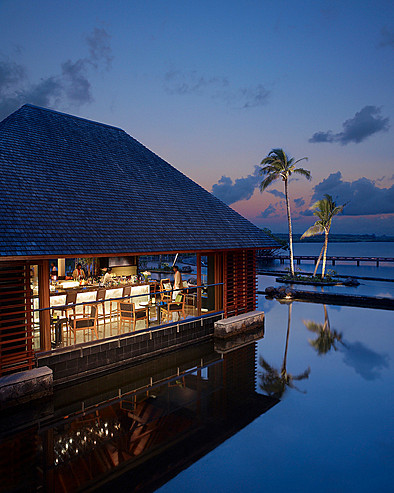 Resort Four Seasons Mauritius at Anahita > O Bar