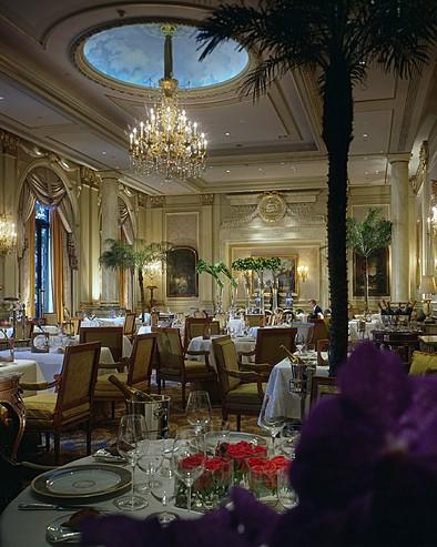 Hôtel Four Seasons George V Paris > Le Cinq Restaurant.
