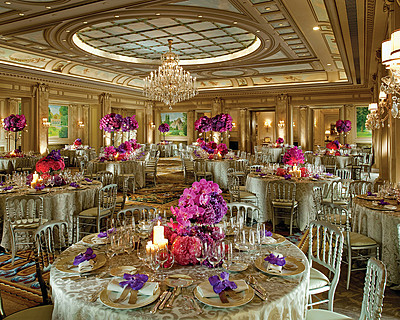 Гостиница Four Seasons George V Париж > Salon Vendome  > Салон Vendôme функционирует также как бальный зал отеля.
